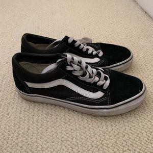 Vans Old Skool Sneakers!!